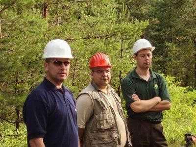 Pomoćnik direktora Sektora korišćenja šuma sa upravnicima iz Deliblata i Bele Crkve